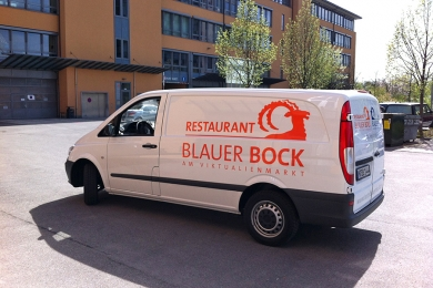 Folientechnik Fahrzeugbeklebung BlauerBock